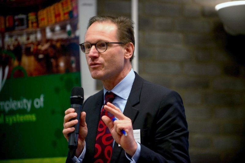 الصورة : رولاند كوبرز - مستشار تحول الطاقة والمرونة والتعقيدات، وزميل معهد الدراسات المتقدمة في أمستردام.