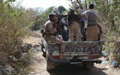 الصورة: الصورة: الحوثيون يسحبون مقاتليهم من الجبهات إلى مأرب