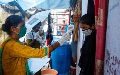 الصورة: الصورة: عدد الإصابات بكورونا في الهند يتخطّى خمسة ملايين إصابة