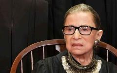 الصورة: الصورة: وفاة قاضية المحكمة العليا الأمريكية روث بادر غينسبيرغ