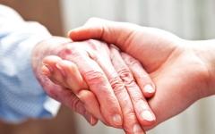 الصورة: الصورة: الرعاية الصحية المنزلية تطوّر نوعي لإسعاد كبار المواطنين