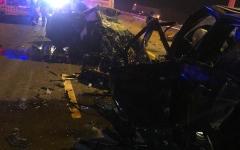 الصورة: الصورة: وفاة 3 أشخاص في حادث تصادم مركبتين بأم القيوين