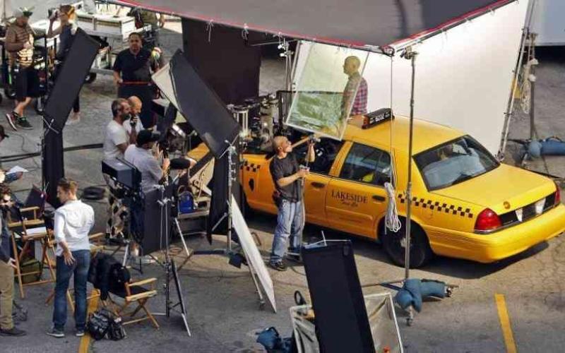 الصورة: الصورة: نقابات هوليوود وشركات الإنتاج تتفقان على تنشيط السينما