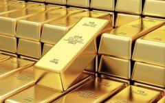 الصورة: الصورة: الذهب يلامس أقل مستوى في 6 أسابيع تحت ضغط الدولار القوي