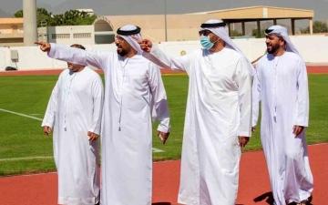 الصورة: الصورة: الحزامي يختتم زيارته ويشيد بمرافق نادي كلباء