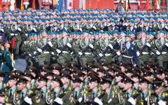 الصورة: الصورة: روسيا تستعرض قوتها بمناورات عسكرية ضخمة