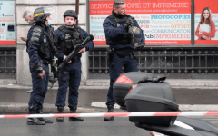 الصورة: الصورة: إصابة 4 أشخاص في باريس إثر تعرضهم للطعن
