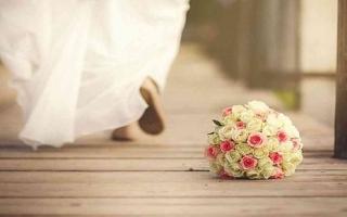 الصورة: الصورة: في شهر العسل.. العريس يتناول السم والعروس تلقي بنفسها من الشرفة