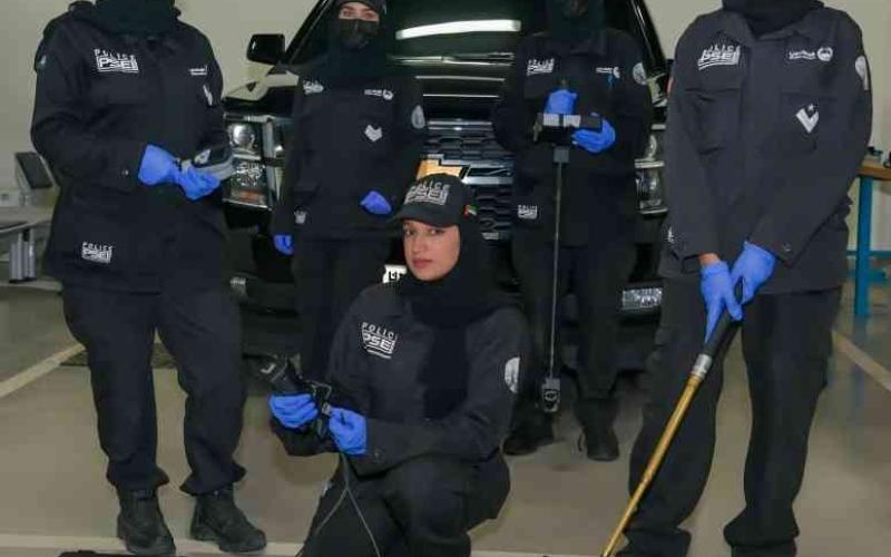 الصورة: الصورة: تأسيس أول فريق نسائي متخصص بالتفتيشات الأمنية في دبي