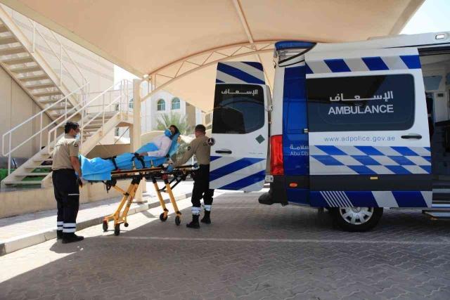 صورة شرطة أبوظبي تتعامل مع 204 حالات توقف قلب رئوي – عبر الإمارات – أخبار وتقارير