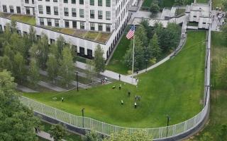 تحقيقات حول وفاة موظفة بالسفارة الأمريكية في أوكرانيا