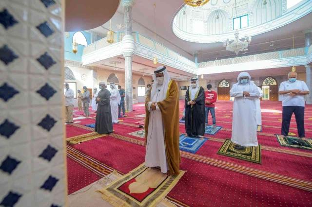 صورة مساجد الإمارات تؤدي صلاة الغائب على أمير الكويت الراحل – عبر الإمارات – أخبار وتقارير