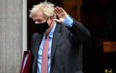 الصورة: الصورة: بريطانيا تأمل بالسيطرة على كورونا بحلول عطلة عيد الميلاد