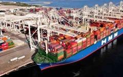 الصورة: الصورة: نتائج قوية لتجارة دبي تؤكد متانة الاقتصاد
