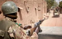 الصورة: الصورة: مقتل 12 جندياً في هجومين وسط مالي