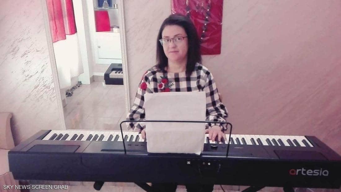 الصورة : رغم مرضها.. نادية تعيش بشكل طبيعي
