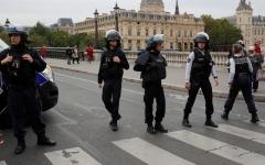 الصورة: الصورة: قتيل بحادث طعن في باريس