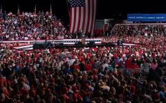 الصورة: الصورة: ترامب يكثّف جولاته وأوباما يطير إلى فيلادلفيا دعماً لبايدن
