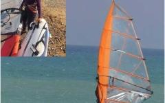 الصورة: الصورة: شاهد.. سبعينية جزائرية تحترف ركوب الأمواج