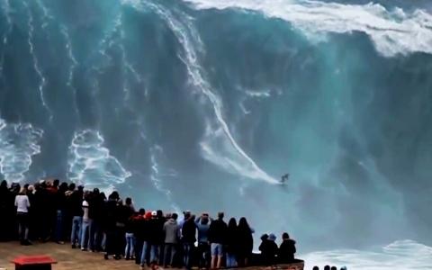 الصورة: الصورة: شاهد.. «نازاري» في البرتغال موطن أكبر أمواج في العالم