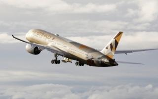 «الاتحاد للطيران» تشغل أول رحلة ركاب تجارية بين الإمارات وإسرائيل