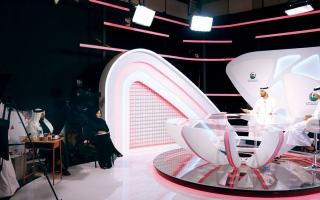 الصورة: الصورة: 12 متدرباً يخوضون تجربة التقديم التلفزيوني في «الشارقة للتدريب الإعلامي»