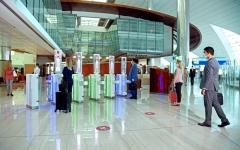 الصورة: الصورة: دبي تحلّق بتجربة السفر عبر مطارها بأول مسار بيومتري