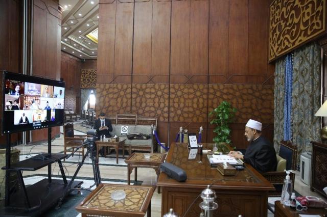 صورة مجلس حكماء المسلمين يقاضي مجلة تشارلي إيبدو الفرنسية – عالم واحد – العرب