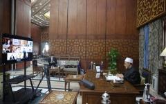 الصورة: الصورة: مجلس حكماء المسلمين يقاضي مجلة تشارلي إيبدو الفرنسية