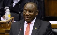 الصورة: الصورة: رئيس جنوب أفريقيا يعزل نفسه بعد مخالطة مصاباً بكورونا