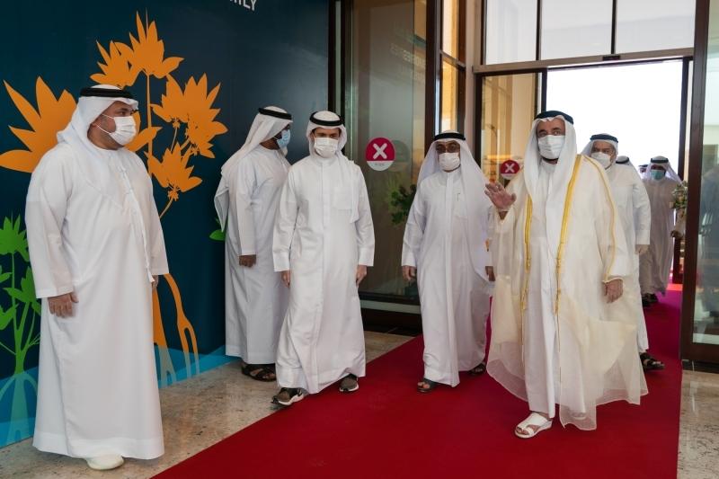 الصورة : سلطان القاسمي خلال افتتاح المركز | من المصدر