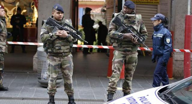 صورة فرنسا ترفع درجة التأهب الأمني بعد هجوم نيس – عالم واحد – خارج الحدود