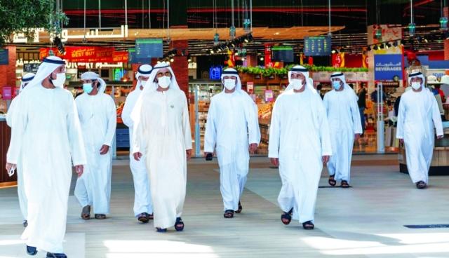 صورة محمد بن راشد يتفقد مرافق «الخوانيج ووك» – عبر الإمارات – أخبار وتقارير