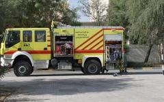 الصورة: الصورة: فرق الدفاع المدني بالشارقة تكافح حريقا بالصناعية 13