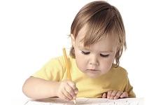 الصورة: الصورة: الكتابة باليد تزيد من ذكاء الأطفال