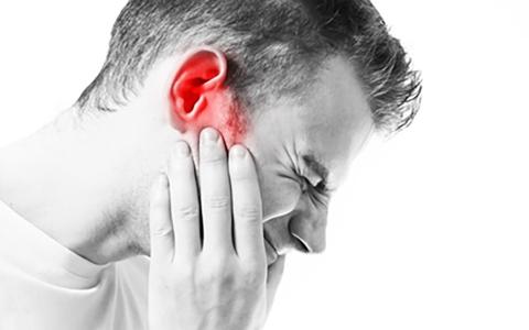 الصورة: الصورة: كورونا يزيد من سوء حالة طنين الأذن