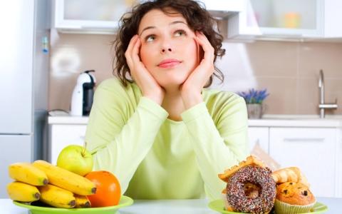 الصورة: الصورة: الأكل ليلا لا يسبب زيادة الوزن
