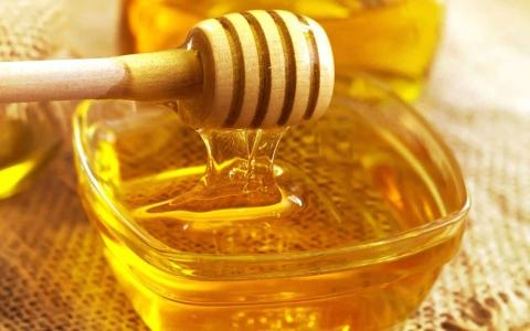 الصورة: الصورة: 4 فوائد صحية مثبتة علمياً للعسل