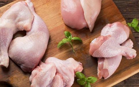 الصورة: الصورة: نصيحة طبيب: 5 أجزاء في الدجاج خطر على صحتك