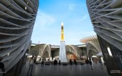 الصورة: الصورة: «نافورة الفضاء» تحاكي انطلاقة مسبار الأمل التاريخية