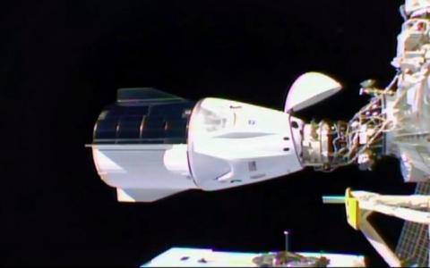 الصورة: الصورة: فريق «دراغون» ينضم لمحطة الفضاء الدولية