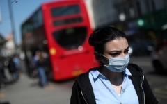 الصورة: الصورة: للمرة الأولى منذ 3 أشهر.. الصحة العالمية تزف بشرى حول إصابات كورونا في أوروبا