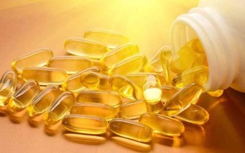الصورة: الصورة: أضرار الإفراط في تناول مكملات فيتامين د