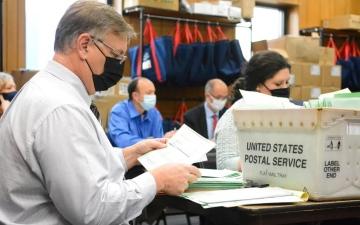 الصورة: الصورة: حملة ترامب تسحب دعوى تطعن على نتائج الانتخابات في ميشيغان
