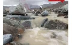 الصورة: الصورة: بالفيديو.. هطول أمطار الخير على الفجيرة