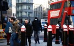 الصورة: الصورة: بريطانيا تلغي العزل الذاتي لمخالطي مصابي كورونا