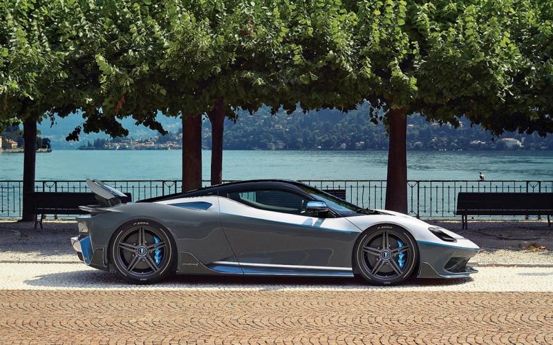 الصورة: الصورة: «باتيستا» سيارة فاخرة جديدة متصلة بالإنترنت دوماً في الإمارات