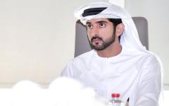 الصورة: الصورة: توقيع راشد بن سعيد يزيّن الشعار الرسمي لـ«الإمارات لاستكشاف القمر»