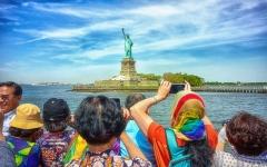 الصورة: الصورة: بينها دول عربية.. كفالة تصل إلى 15 ألف دولار على زوار أمريكا من عدة بلدان