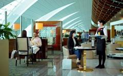 الصورة: الصورة: طيران الإمارات تعيد فتح صالاتها عبر العالم بدءاً من القاهرة